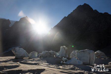 Le cimetière d'icebergs, un décor idéal pour un caméraman (Photo Yann Bigant / Naturevolution)