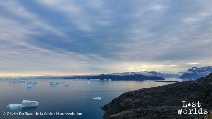 Vue sur les Bear Islands et le Renland à droite au-dessus de Sydkap.