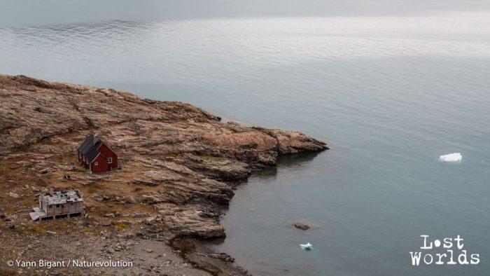 La cabane de Sydkap, au bord du fjord principal du Scoresby Sund.